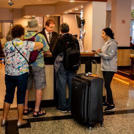 Hotel Bristol customer service