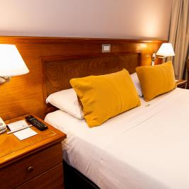 Double bed Hotel Bristol downtown Buenos Aires