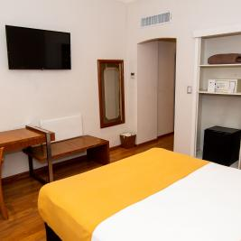 Room air conditioning and heating Hotel Bristol