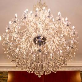 Hotel Bristol chandelier lamp entrance